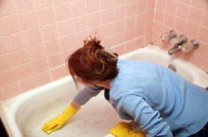 att städa badrum är enkelt om du följer dessa rengöringstips